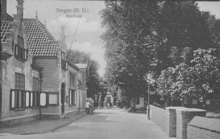 HVB FO 00054 Raadhuisstraat omstreeks 1920 vraagteken