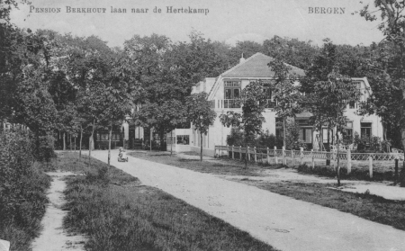 HVB FO 00195  Pension Berkhout, gezien vanaf Vijverlaan