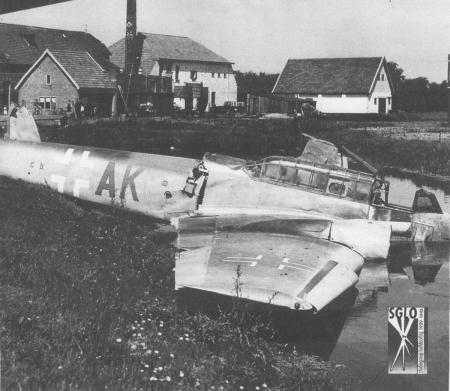 HVB FO 00212 Neergestort vliegtuig bij Bergerweg