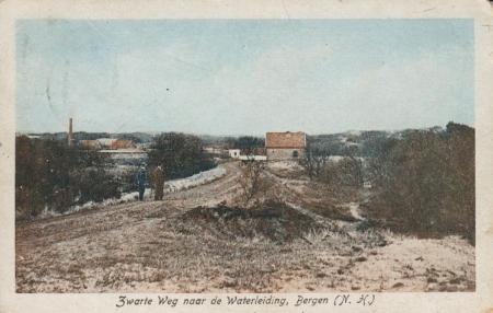HVB FO 00235  Zwarteweg met waterleidinggebouwen