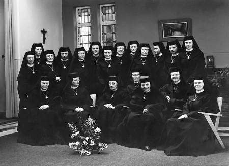 HVB FO 00306  Onderwijzeressen van de St. Augustinus Huishoudschool