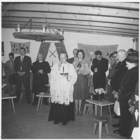 HVB FO 00320  Officiële opening nieuwe padvindstershut, 1961