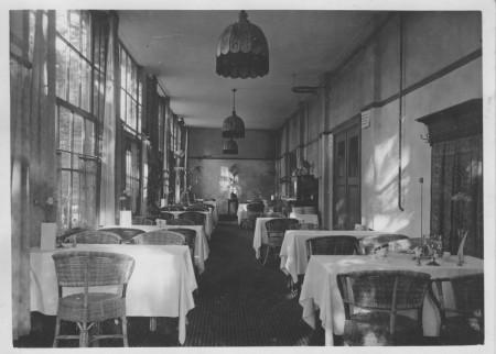 HVB FO 00383  Serre en eetzaal van de Rustende Jager, 1922-23