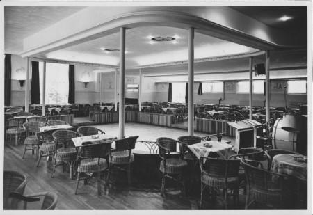HVB FO 00398  De nieuwe danszaal van de Rustende Jager, 8 juni 1949
