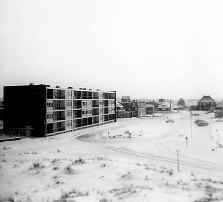 HVB FO 00503  Bergen aan Zee in de winter - Van der Wijckplein