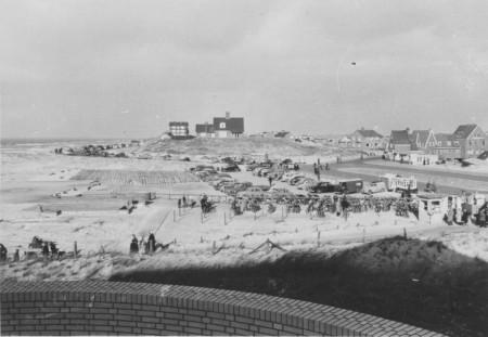 HVB FO 00551  Centrum van Bergen aan Zee, julli 1951