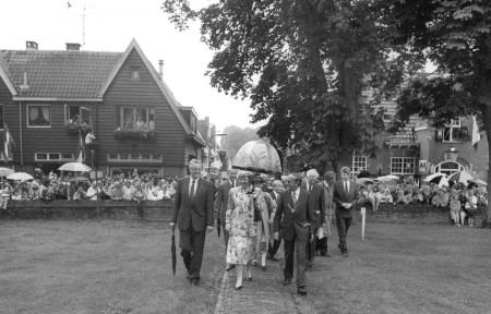 HVB FO 00708  Koningin Beatrix in Bergen