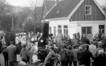 HVB FO 298  Bevrijdingsoptocht 1955