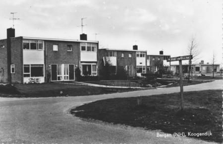 HVB FO 00178  Kogendijk, hoek J.M. Graadt van Roggenweg, omstreeks 1960